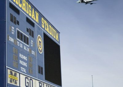 19_Air_Force_1_over_University_of_Michigan_Stadium