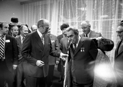Gerald-R-Ford-gifts-his-wolfskin-coat-to-Leonid-Brezhnev-4