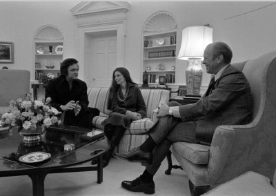 Johnny-Cash-and-June-Carter-Cash-with-President-Gerald-R-Ford